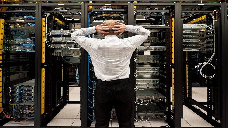 """Notícia: Ataque hacker pode ter causado """"Blecaute"""" na internet dos EUA"""