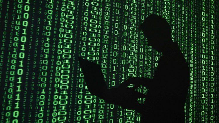 Notícia: Dois hackers foram presos por hackear sistema de câmeras de Washington